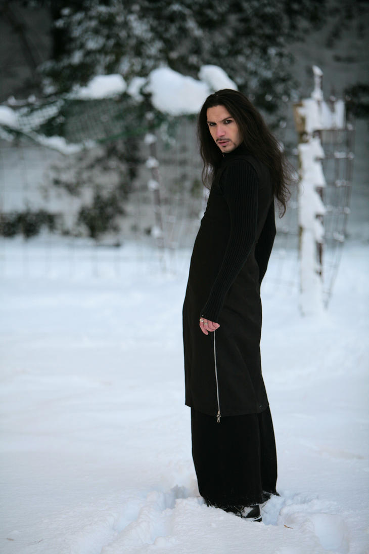 The Dark Snow by deswitath