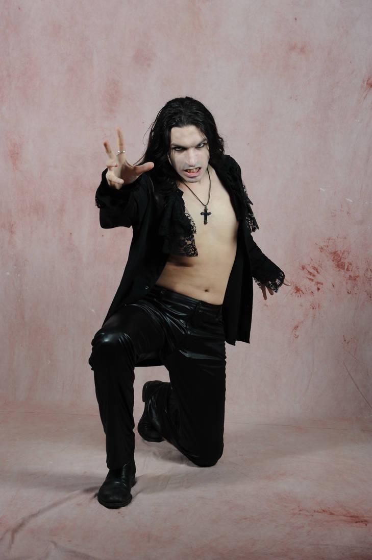 Gothic  Vampire Pose by deswitath