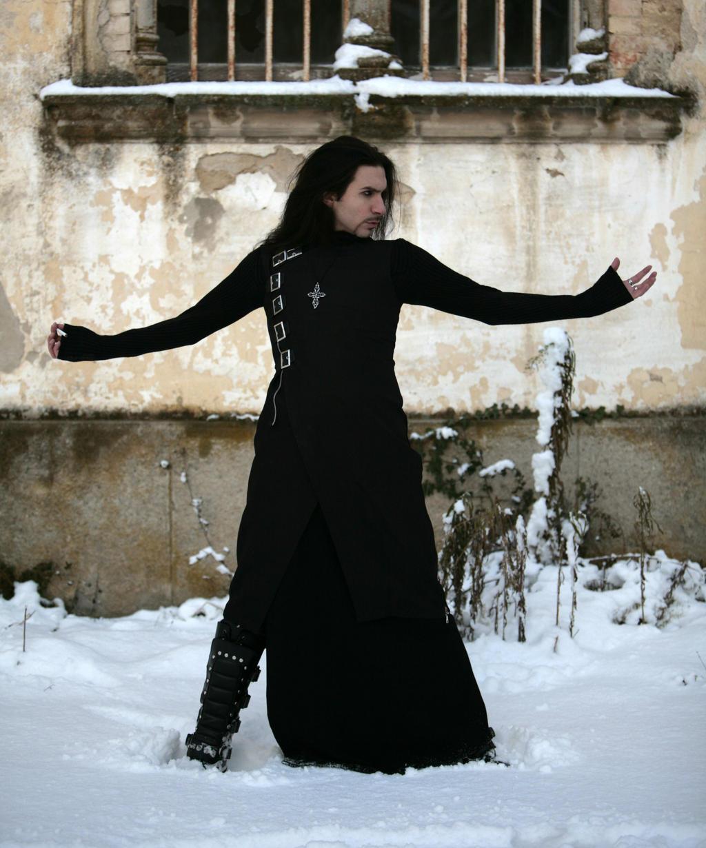 Goth Man Pose by deswitath