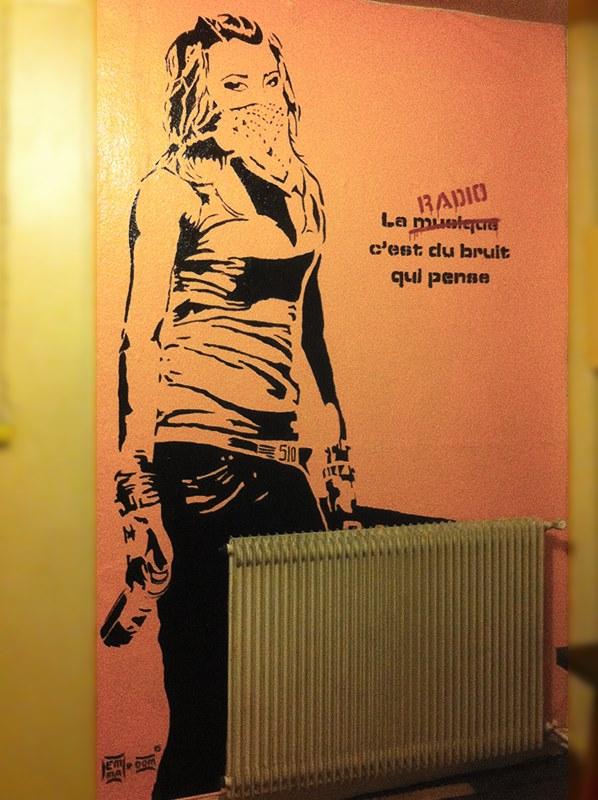 Hommage Banksy :) by zen-emma