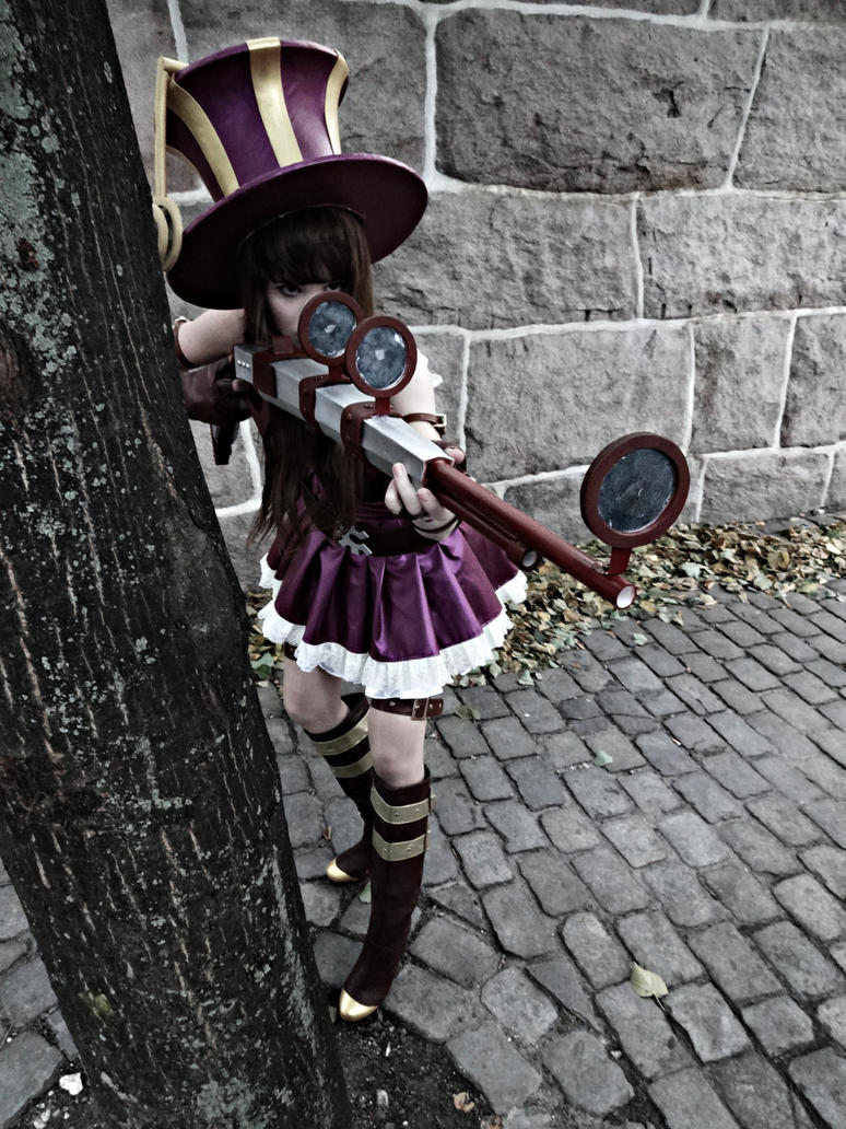 League of Legends - Caitlyn Cosplay. by KawaiiTine