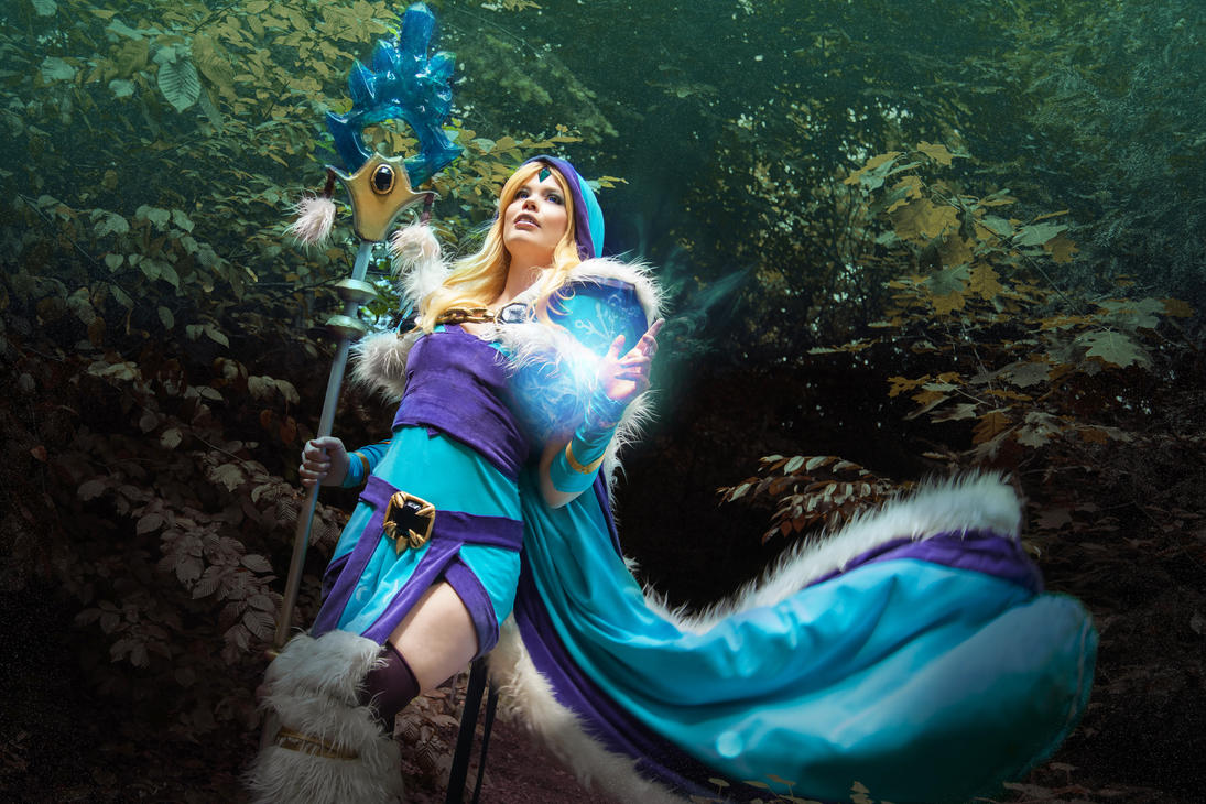 Dota2 Crystal Maiden Cosplay by KawaiiTine