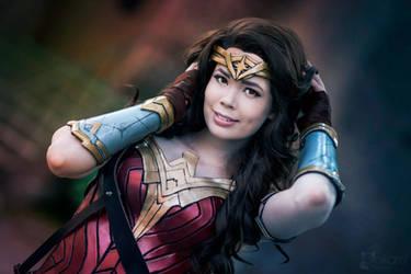 Wonder Woman Cosplay - Smile by TineMarieRiis