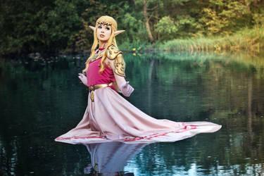 Princess Zelda - The Triforce of Wisdom. (Cosplay)