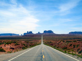 Monument Valley 1 by Pwesty