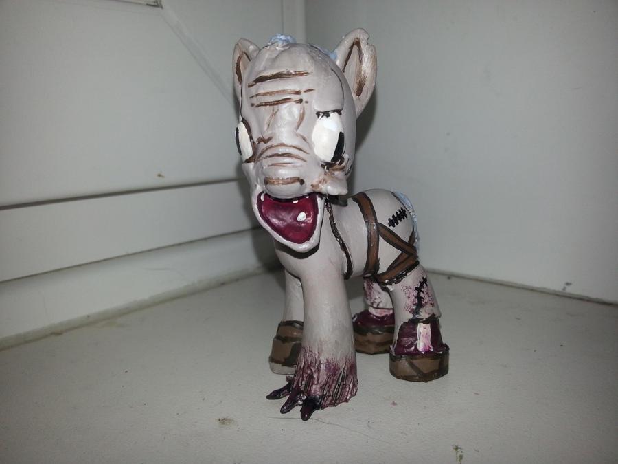 Grunt , Amnesia Pony by balthazar147