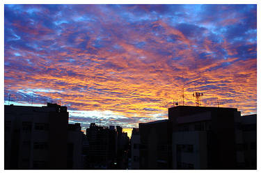 Skyline and Sunset by maxholanda