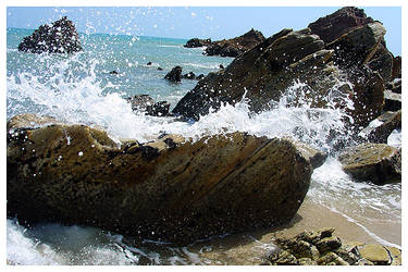 Jericoacora Water on Rocks by maxholanda
