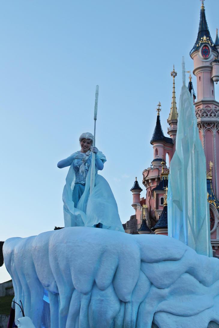 Elsa - Frozen - Disney Paris by PrueMarvell