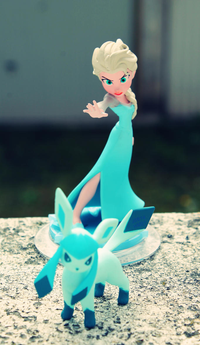 Elsa with Glaceon by PrueMarvell