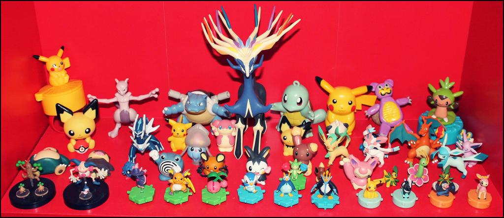 Pokemon figurines by PrueMarvell