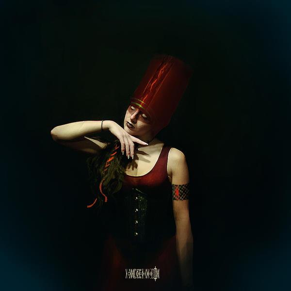 The Priestess's Eenchantment by vampirekingdom