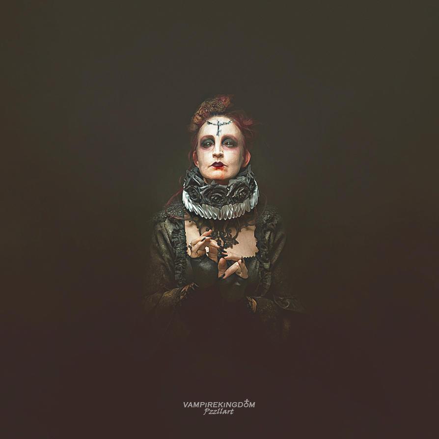+ La Reina + by vampirekingdom