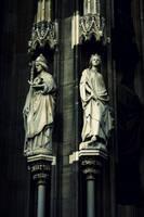 Holy statue. II by NikolasBrummer