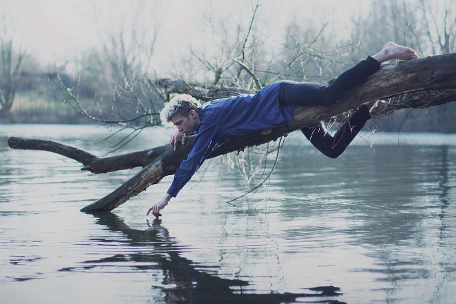 dim reflection by NikolasBrummer