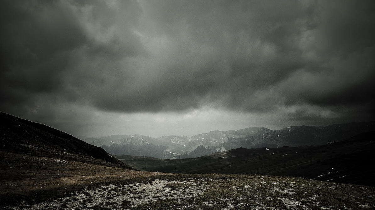 Storm Clouds (16:9) by AlexandruCrisan