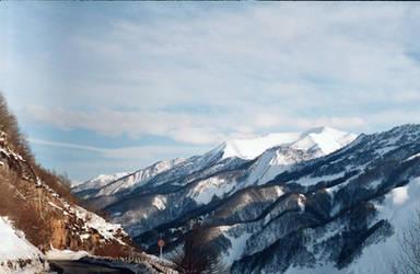 les montagnes by TamarBurduli