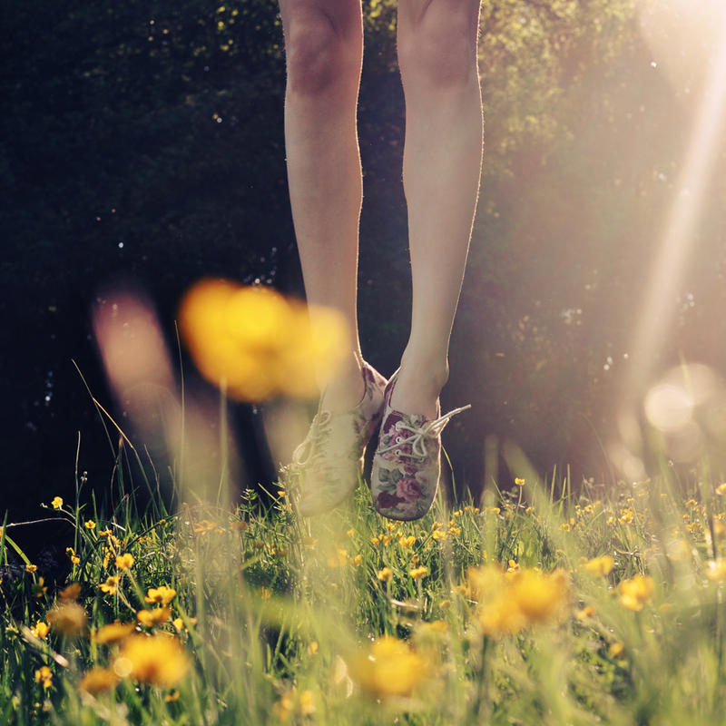Jump into the seasons by Holunder
