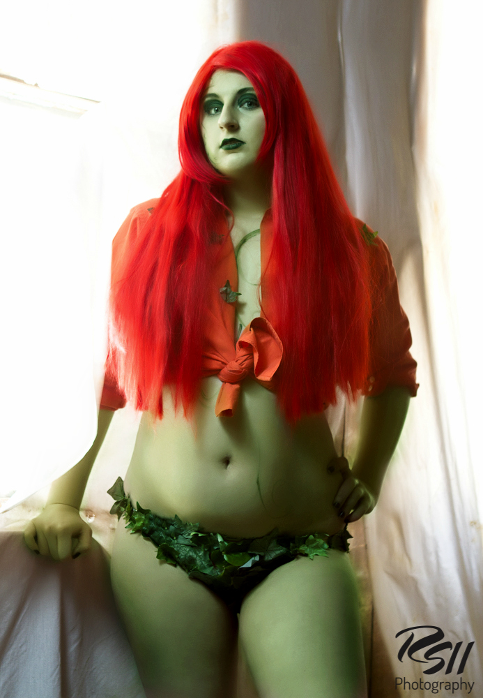 Poison Ivy: Chlorokinesis by chloeandthehawk