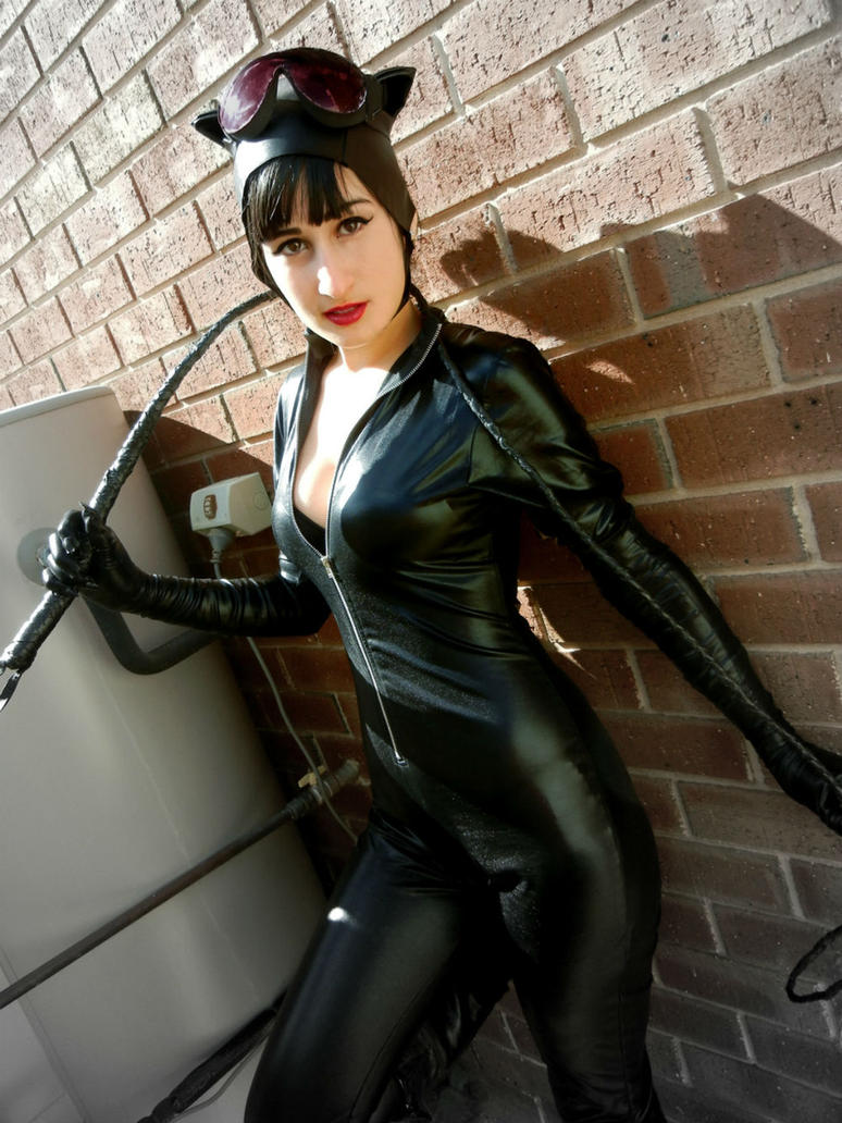 Catwoman Cosplay: Meow! by RiiCosplay