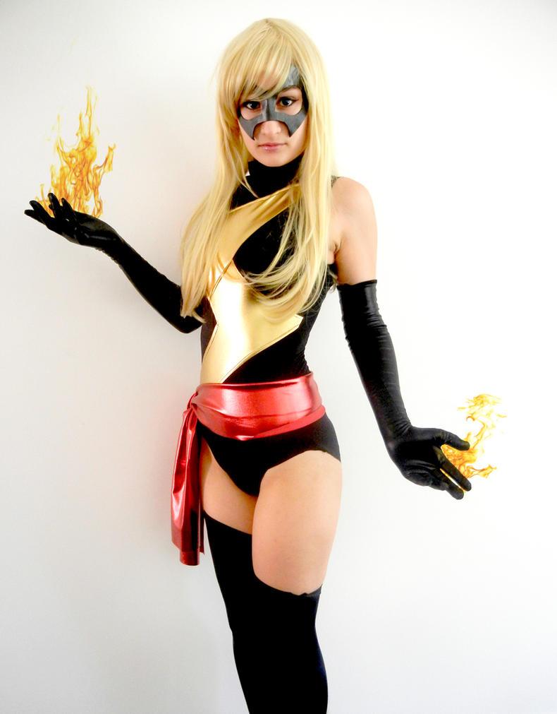Miss Marvel by Rii-Ruu