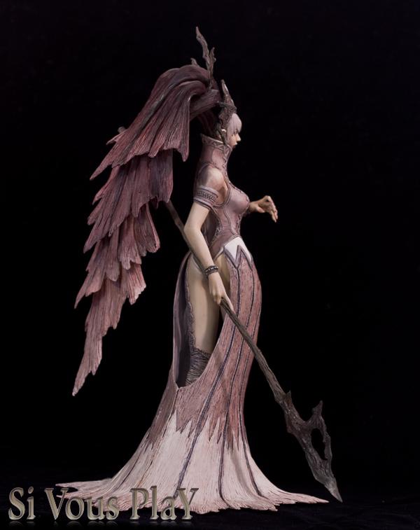 Dark Elf Queen side by sivousplay