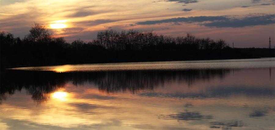 Sunset Lake by dpaulo
