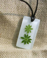 Leaf Pendant by EricalesImpatiens