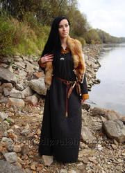 Early medieval woolen dress with silk hems by SlavMedievalShop