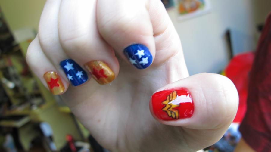 Wonder Woman Nails by tharesek