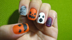 Halloween Nails by tharesek