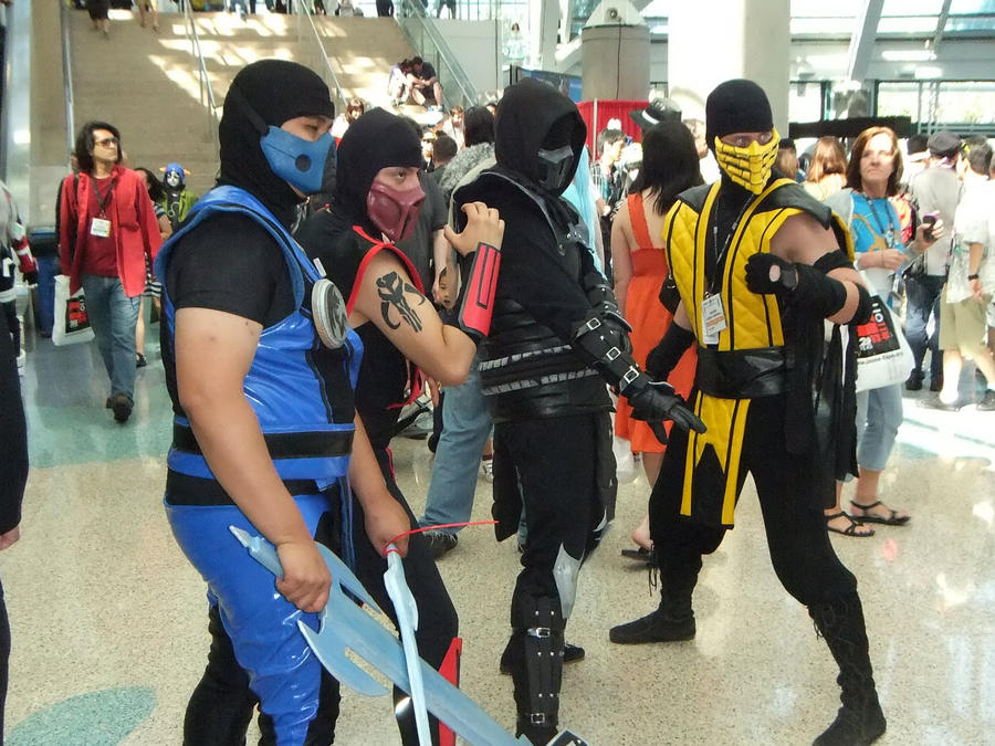 Mortal Kombat Fighters At Anime Expo AX 2011 By Trivto