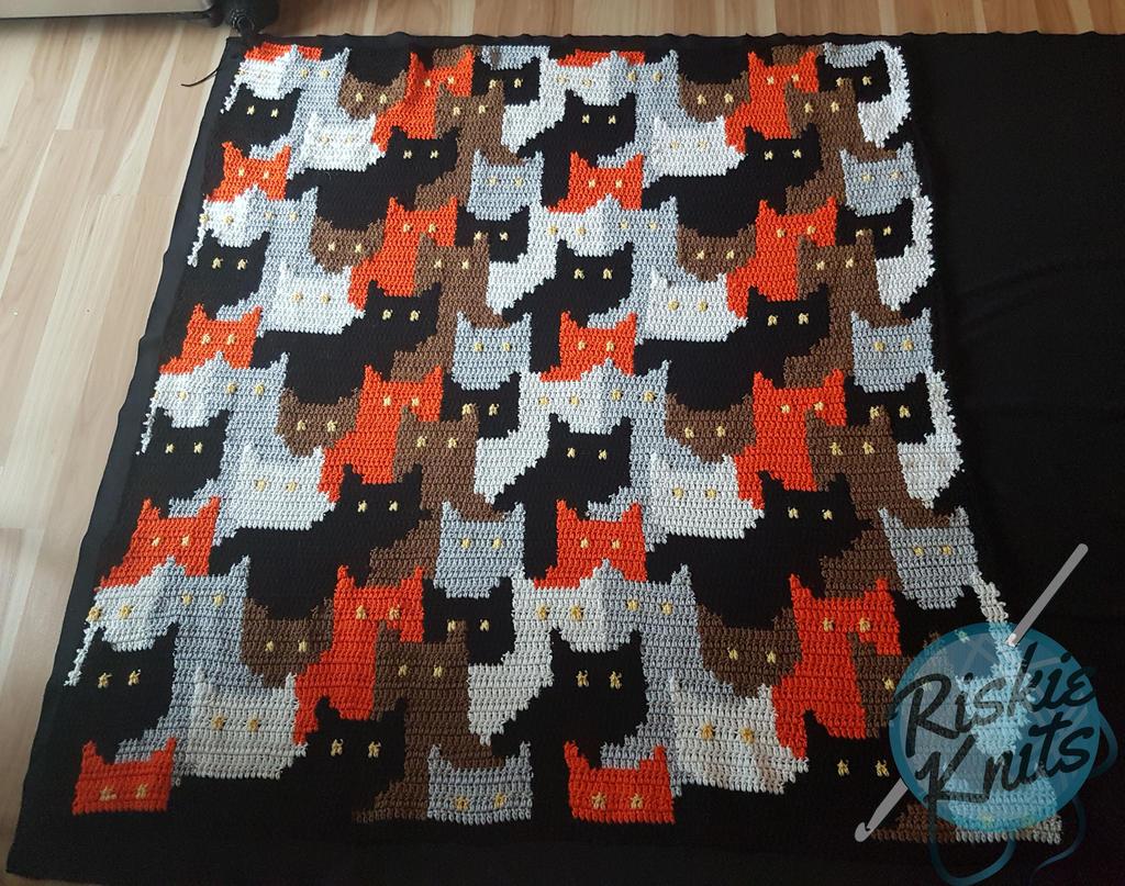 Cat Blanket Free Crochet Pattern | DailyCrochetIdeas | 807x1024