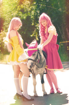 Human! Fluttershy and Pinkie with real pony