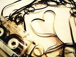 cassete tape heart by brokendarkangel777