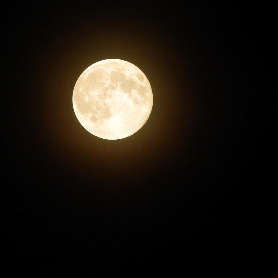 Super Moon by BluntPrincess