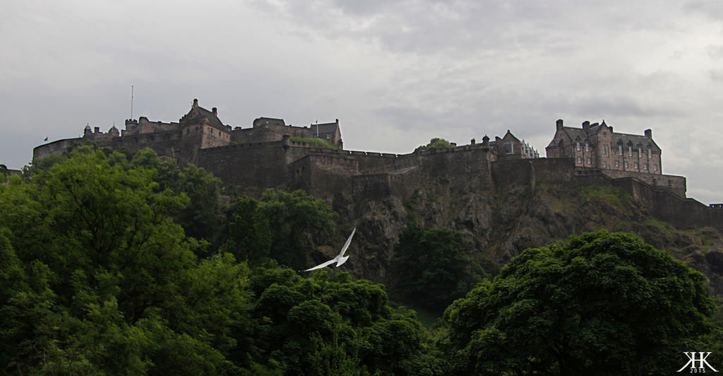 Edinburgh Castle by Paivatar