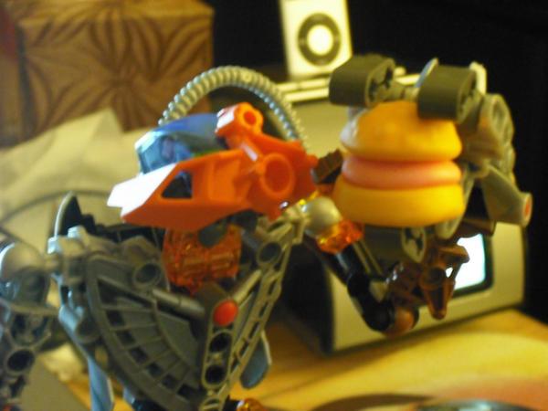 Mmmmm, burger by Blitzwing360