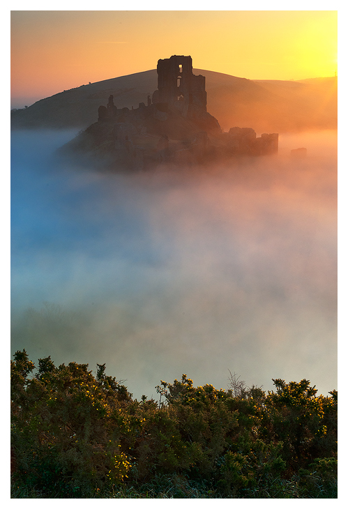 Corfe Castle sunrise by SebastianKraus