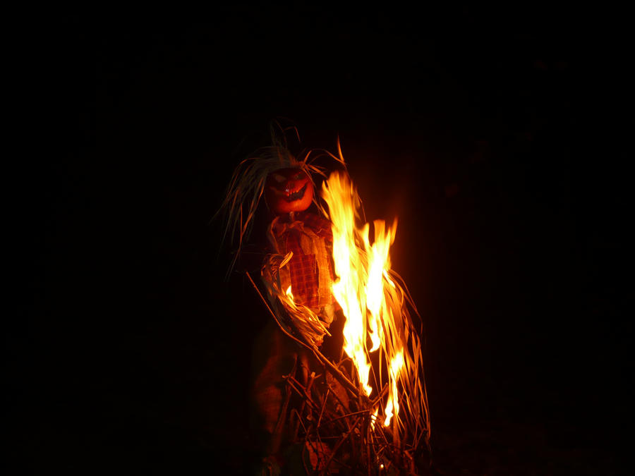 Samhain Scarecrow 2 by SylvanSmith