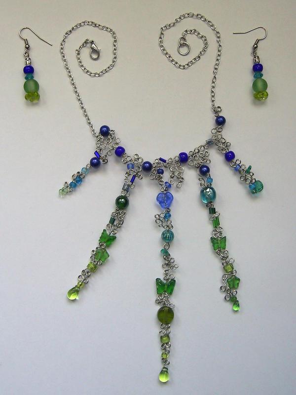 Blue-Green Glass Wire Necklace by johannachambers