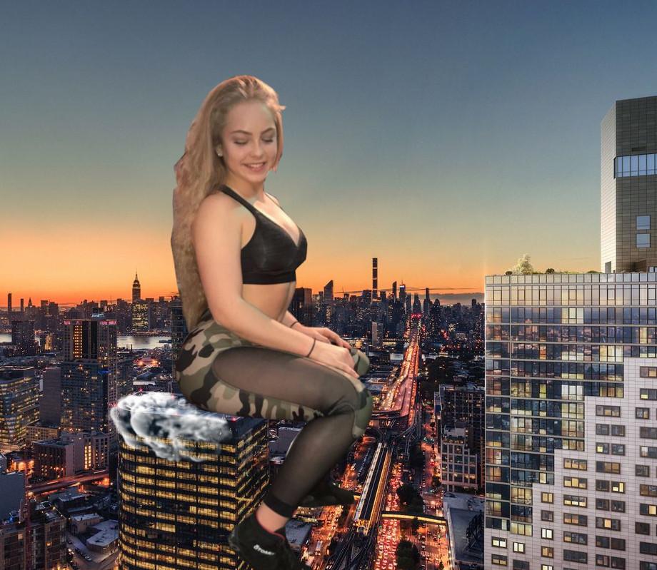Giantess sitting by DyxoWeb
