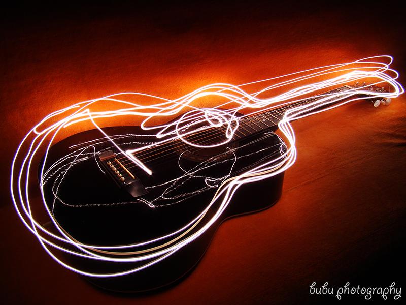 ... guitar light-painting 2... by bogdanici