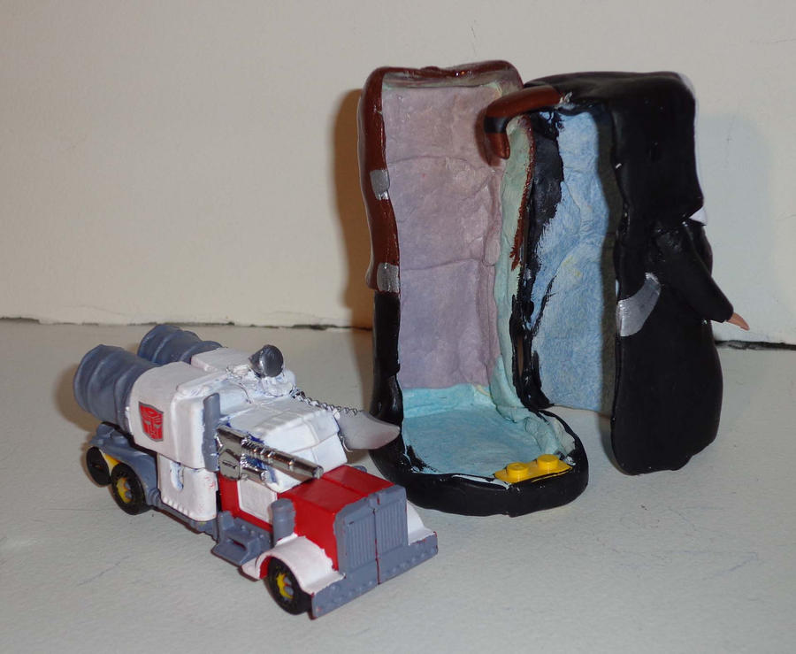 Transformer: Nunsense TOY 2 by PencilMonkey
