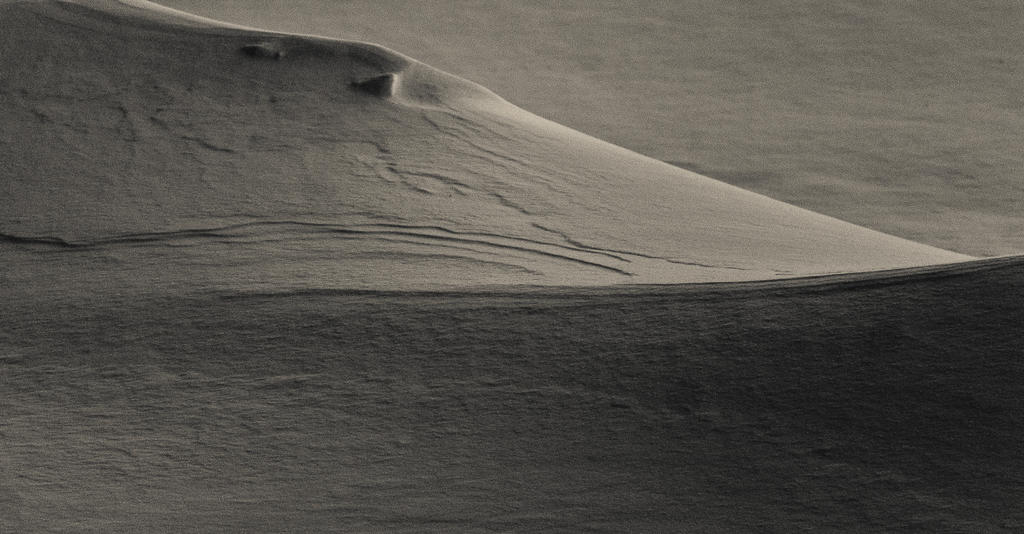 Snow dunes by onmipoint