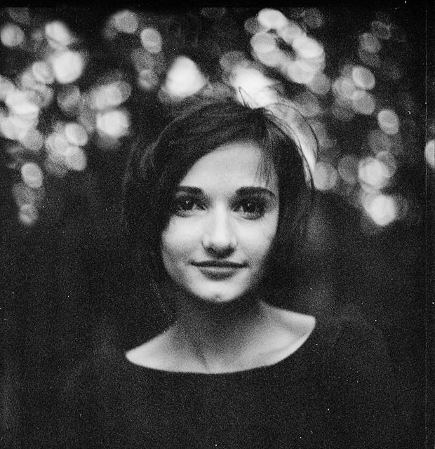 Miroslava smiling by psychiatrique