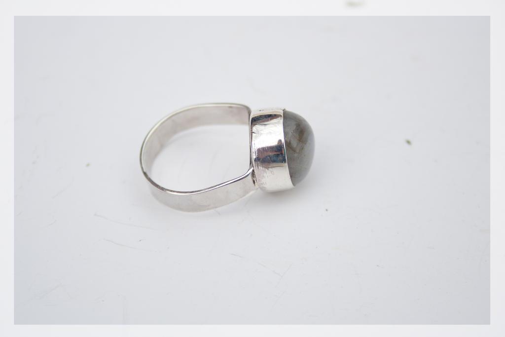 Labradorite ring by BichoBolita