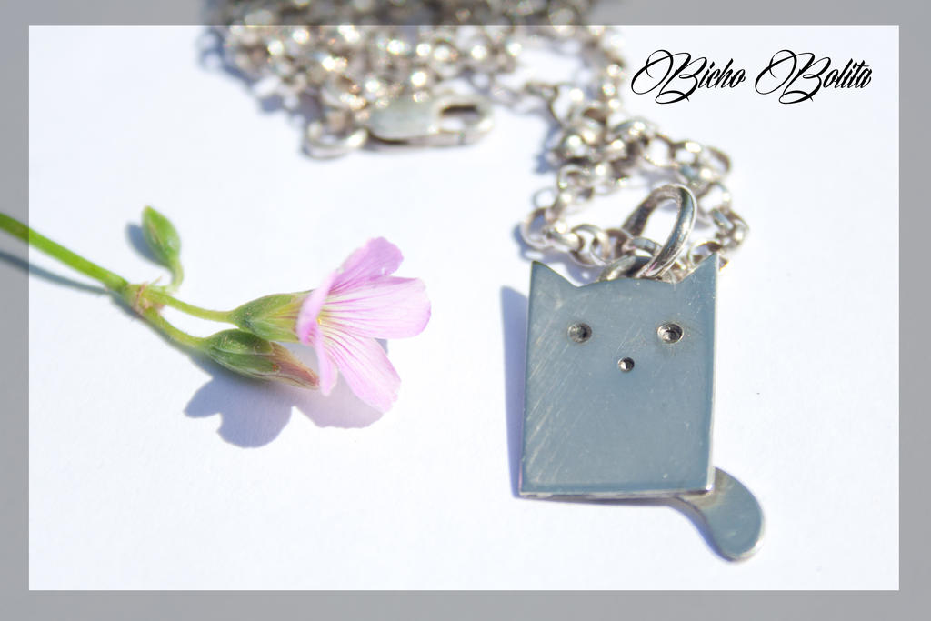 Tiny kitten pendant. by BichoBolita