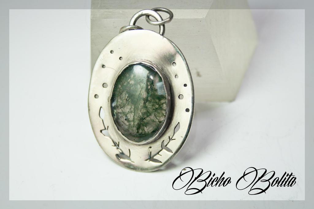 Musk agate pendant by BichoBolita