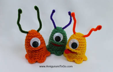Crochet-Alien-Slug-Easter-Egg-Cozy